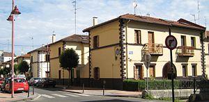 Casas baratas wikipedia la enciclopedia libre for Casa moderna wiki
