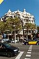 Barcelona - Passeig de Gràcia - View NNE on Casa Milà 'La Pedrera' 1906-10 Antoni Gaudí.jpg