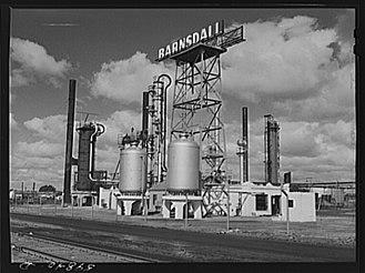 History of Wichita, Kansas - Barnsdall Refinery (1941)