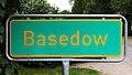 Basedow Ortshinweistafel Zeichen 385.jpg
