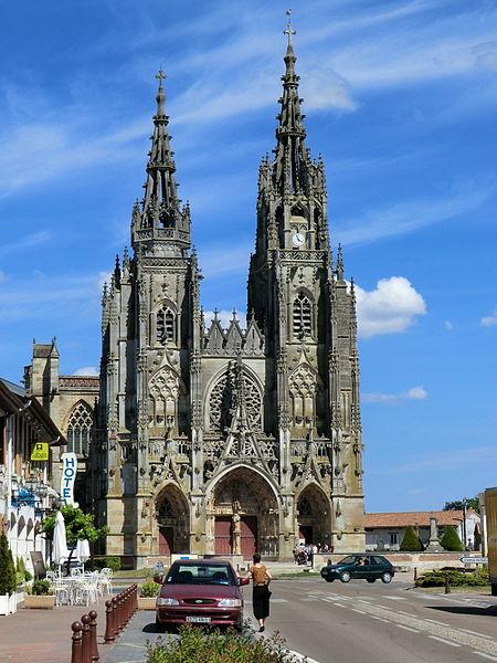 West facade of Notre-Dame de L'Épine.