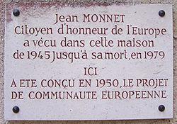 Photo of Jean Monnet white plaque