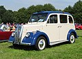 Beardmore Mk7 Paramount taxi front three quarters 1966 in 2017.jpg