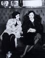 Beatriz Costa with Marlene Dietrich (1931).png