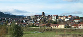 Beaumont with the dormant volcano, the Puy de Dôme in the background