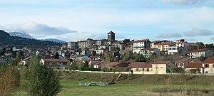 Beaumont, Puy-de-Dôme - Beaumont with the dormant volcano, the Puy de Dôme in the background