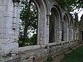 Beauport Abbaye Baies Refectoire.jpg