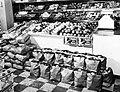 Bergs Supermarket, apples (6355360505).jpg