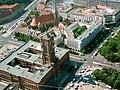 Berlín - Ajuntament i Nikolaikirche.JPG