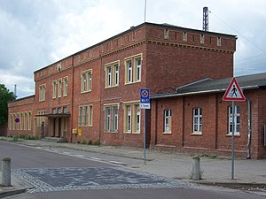 Roßlau (Elbe) station - Entrance building from the street