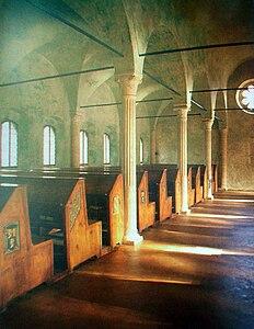 Interni della Biblioteca Malatestiana. L'Unesco ha riconosciuto l'importanza culturale della Malatestiana inserendola, prima in Italia, nel Registro della Memoria del Mondo.