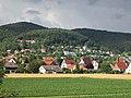 """Blick von der Fußgängerbrücke am """"Hüttchen"""" zum Kochsberg in Grebendorf - Meinhard-Grebendorf - panoramio.jpg"""