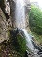 Borov kamyk waterfall, Vrachanski Balkan - spring 2012.jpg