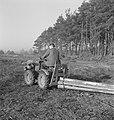 Bosbewerking, arbeiders, boomstammen, landbouwmachines, Tractors, Bestanddeelnr 251-9998.jpg
