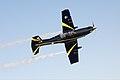 Bovenaanzicht-van-pc-7-lesvliegtuig-in-de-lucht.jpg