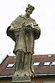 Bratislava Michalská brána skulptúra.jpg
