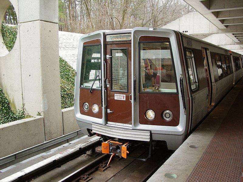 File:Breda 2075 (Washington Metro).jpg
