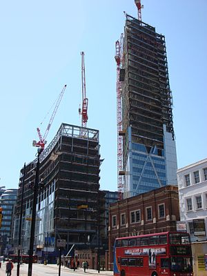 Broadgate Tower - Image: Broadgate Tower under construction 1 5 07 retouched
