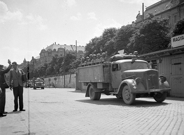 Blitz in Budapest, 1944