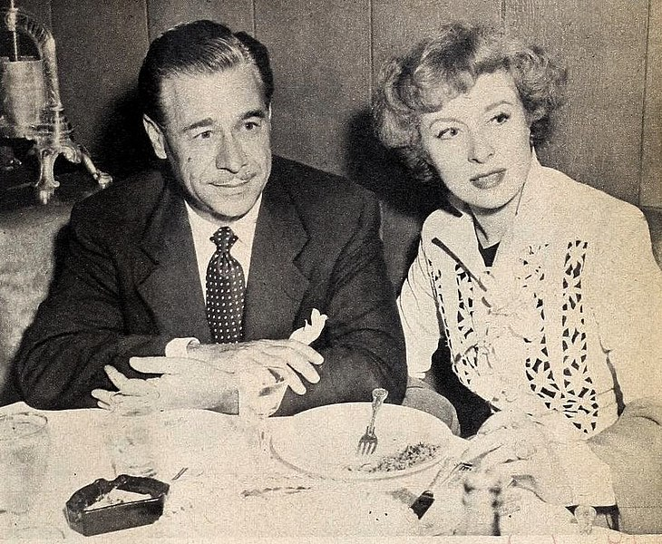 File:Buddy Fogelson and Greer Garson, 1948.jpg