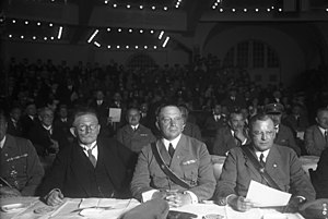 Franz Seldte - Seldte (r.) with Hugenberg and the Berlin Stahlhelm leader von Stephani at a rally against the Young-Plan, Berlin Sportpalast, 1929