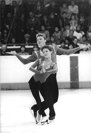 Oleg Vasiliev (figure skater) - Valova and Vasiliev in 1987
