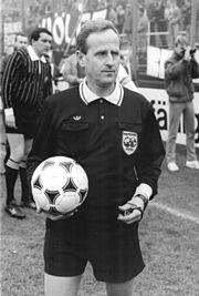 Bundesarchiv Bild 183-1988-1210-025, Schiedsrichter Adolf Prokop