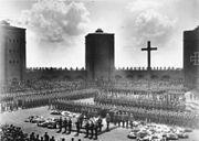 Bundesarchiv Bild 183-2006-0429-502, Tannenberg-Denkmal, Beisetzung Hindenburg