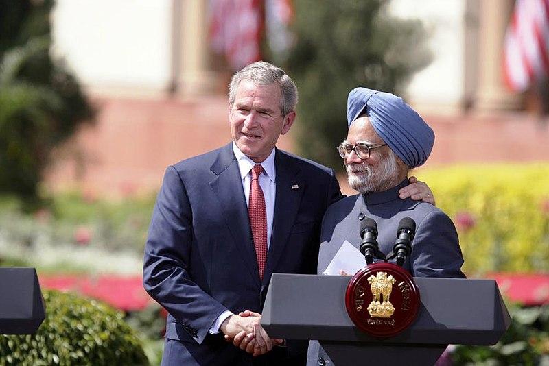 Bush %26 Singh in New Delhi.jpg