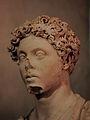 Buste de Marc-Aurèle, visage trois quarts.JPG
