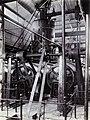 COLLECTIE TROPENMUSEUM Kookketel voor bijprodukten in de suikerfabriek Ketegan Soerabaja TMnr 60052490.jpg