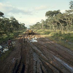 North-Western Province, Zambia - Image: COLLECTIE TROPENMUSEUM Onbegaanbare weg in de regentijd in de omgeving van Solwezi T Mnr 20039277