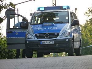 Baden-Württemberg Police - Image: Camionnette de police à Pforzheim