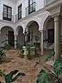 Casa del Marqués de las Torres, Carmona. Patio.jpg