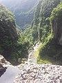 Cascade surplomb - panoramio.jpg