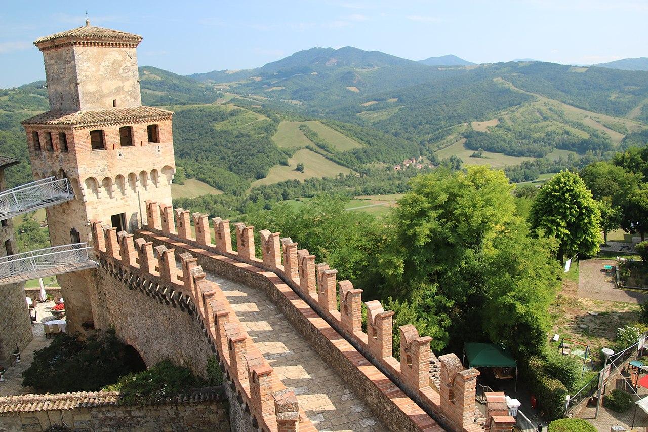 Castello di Vigoleno (Vernasca) 22.jpg