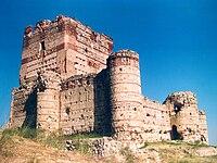 Castillo de Villanueva de la Cañada.jpg