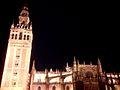 Catedral Santa María y Giralda de noche.jpg