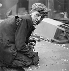 Cecil Beaton Photographs- Tyneside Shipyards, 1943 DB160.jpg