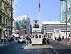 Checkpoint Charlie Berlin.jpg