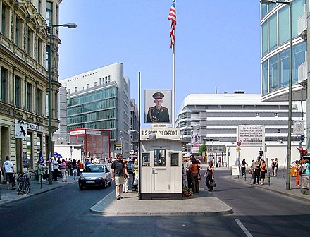 Checkpoint Charlie - Wikiwand