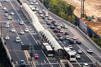 Chengdu BRT - Image: Chengdu Bus Rapid Transit