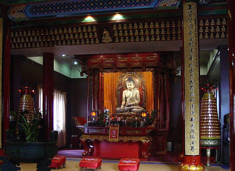 Rupaka Buddha Giok di Vihara Chan Buddha Giok, Shanghai, Tiongkok.