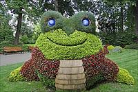 Claude Ponti au jardin des plantes (Le Voyage à Nantes 2014) (14904995712) (2).jpg