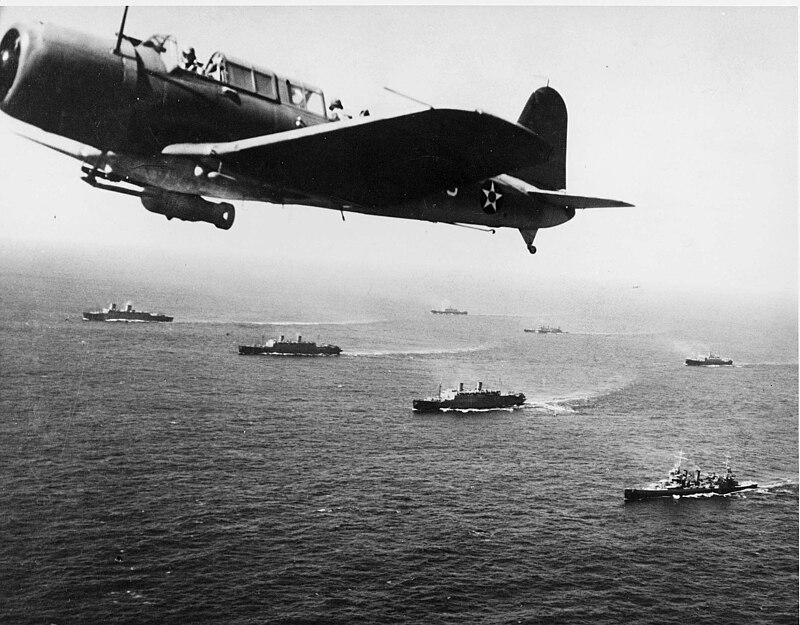 معركة الأطلسي 1945-1939 800px-Convoy_WS-12_en_route_to_Cape_Town%2C_1941