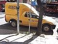 Correios do Brasil desrespeitando os cadeirantes (Porto Alegre, Rua Ramiro Barcelos quase esquina com Avenida Protásio Alves) 01.JPG