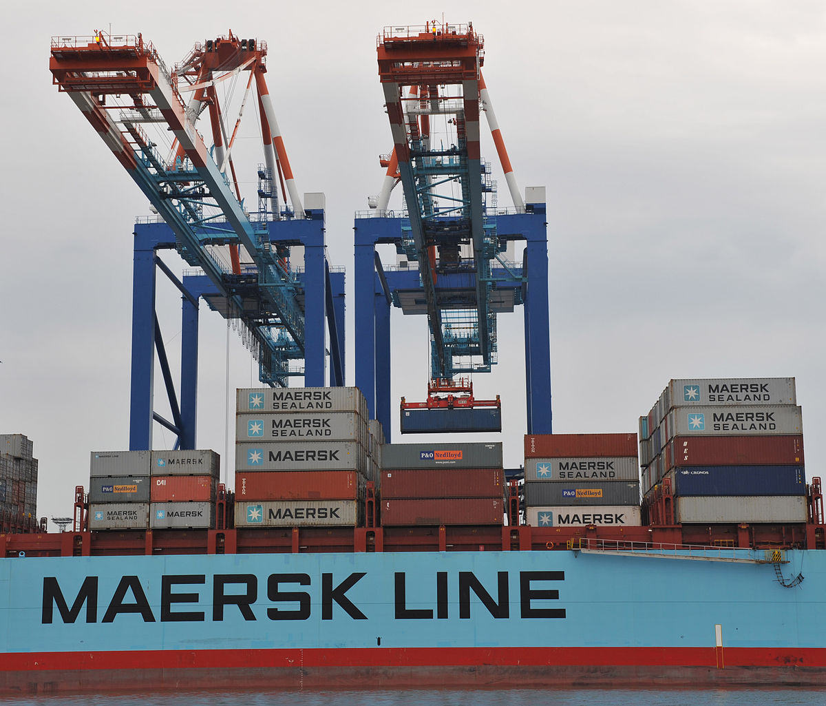 Maersk Container Industry secures Historically Large Reefer Order from Hapag-Lloyd