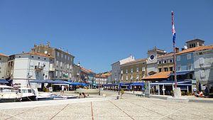 Cres (town) - Cres Main Square