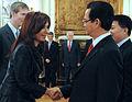 Cristina Fernandez y Nguyen Tan Dung.jpg