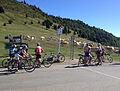 Cyclistes amateurs au sommet du Col d'Aspin.jpg